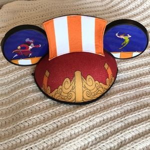 NWT-Disney Peter Pan and Captain Hook Mickey ears